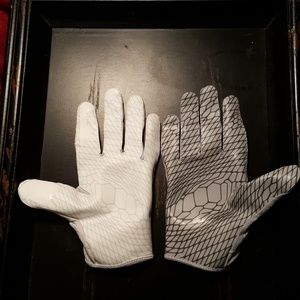 Nike Accessories - Nike Vapor Knit Football Gloves